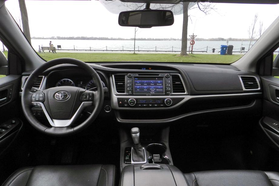 2014 Toyota Highlander Limited dashboard