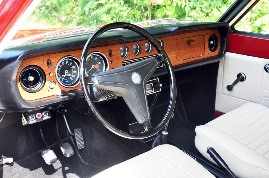 1969 Ford Cortina GT dashboard