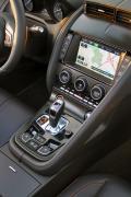 2014 Jaguar F-Type Convertible centre stack