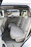 2014 Infiniti QX60 Hybrid second row