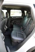 2014 Porsche Cayenne Diesel rear seats