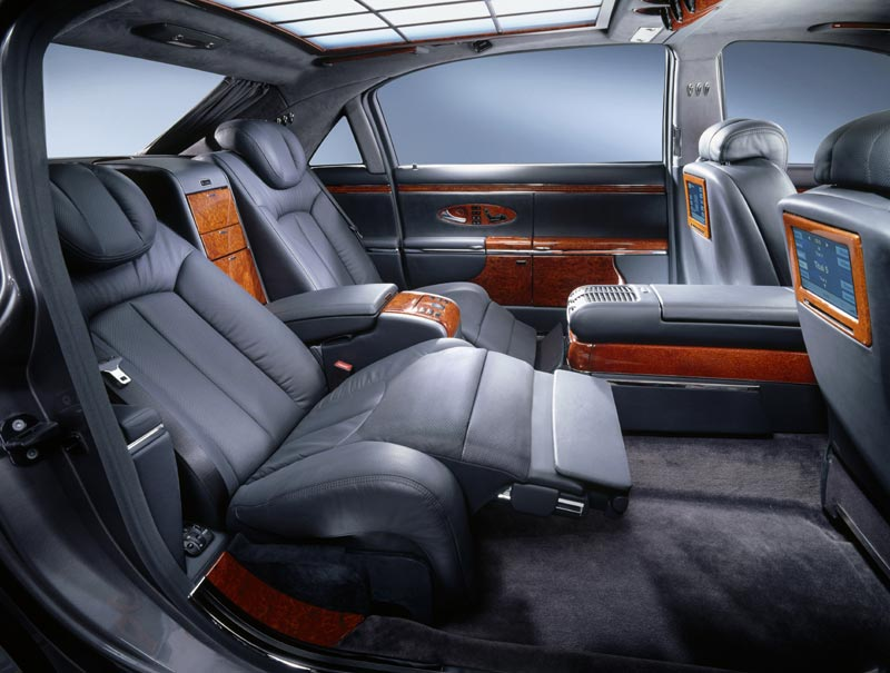 CanadianDriver: First Maybach heads to New York on Queen Elizabeth