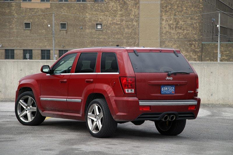 test drive 2006 jeep grand cherokee srt 8 cherokee srt8. Black Bedroom Furniture Sets. Home Design Ideas