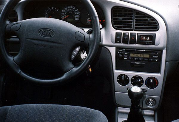 2002 kia spectra interior